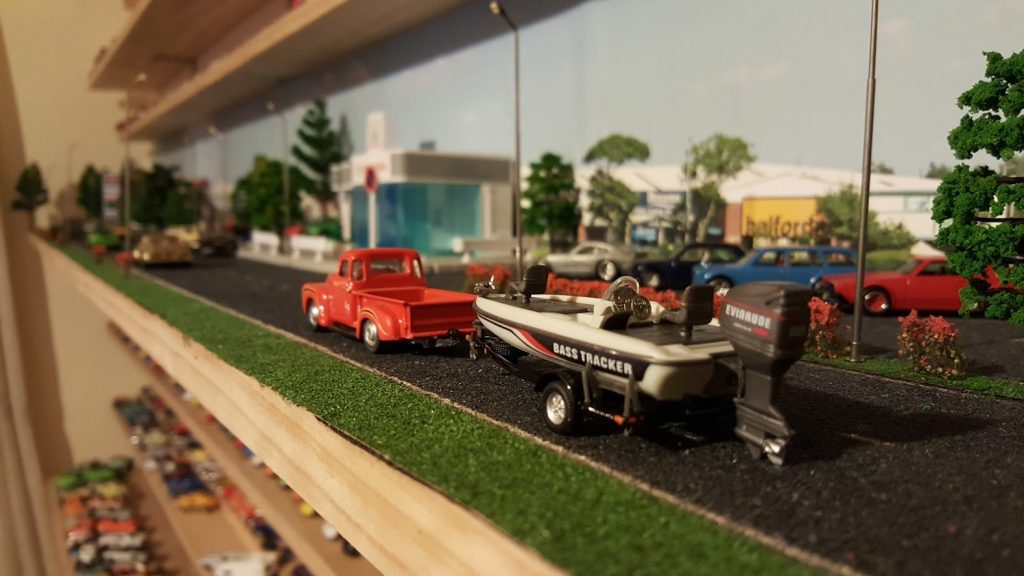 life on the shelf is a custom diorama in 1:64 scale