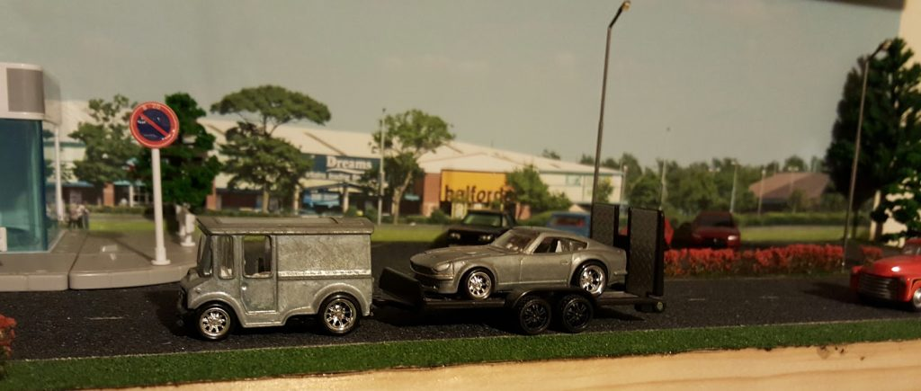 custom hotwheels breadboz and matching datsun 240z