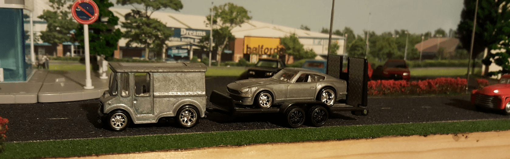 Breadbox and Datsun 240z