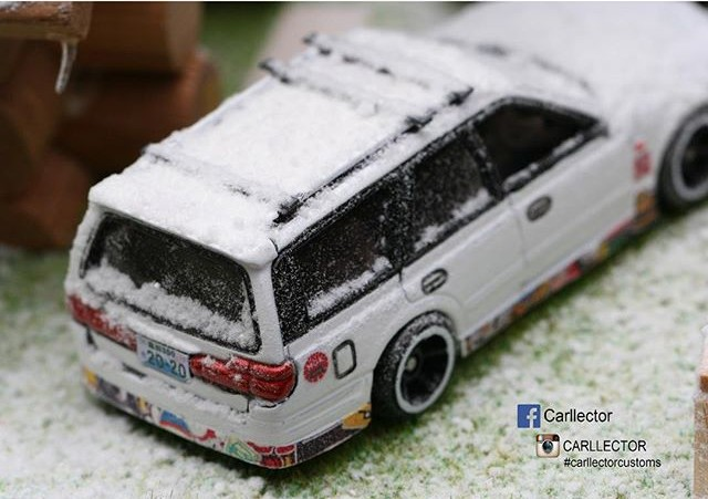 carllector white christmas custom hot wheels