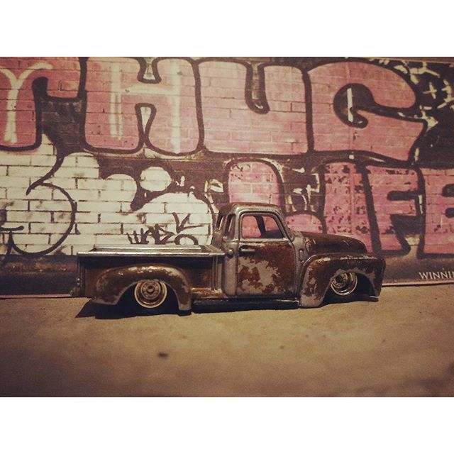 roy.old custom rust chevy