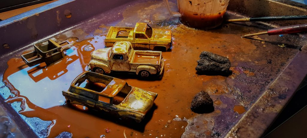 how to rust hot wheels diecast cars - applying the rust