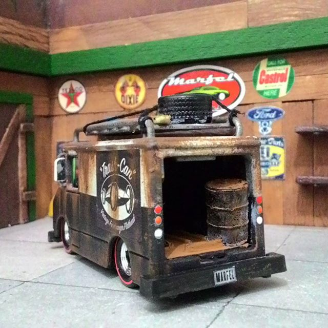 marfelcustoms delivery truck