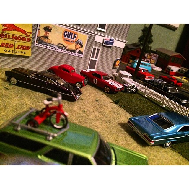 Gram and his awesome hot wheels diorama 4