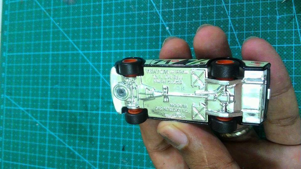 how to wheel swap hot wheels without drilling rivets