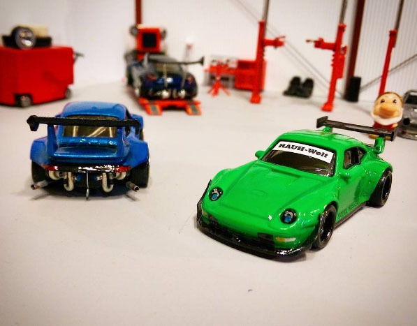 1uzshoob-rauh-welt-custom-hot-wheels-porsche-1