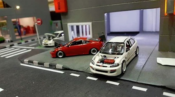 tj__garage-hellasweet-diorama-action-3