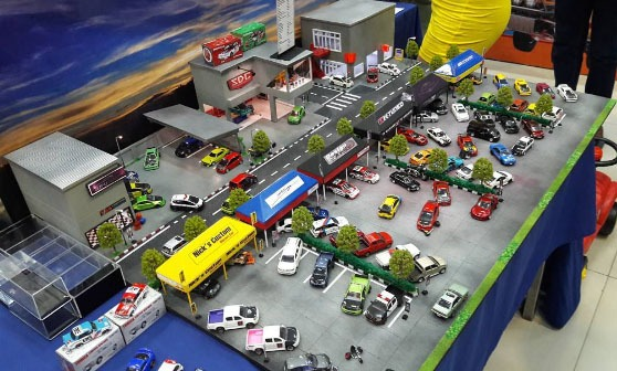 tj__garage-hellasweet-diorama-action-5