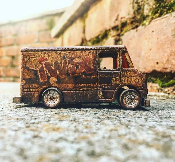 hotrod_crazy-hot-wheels-dirty-twix-van