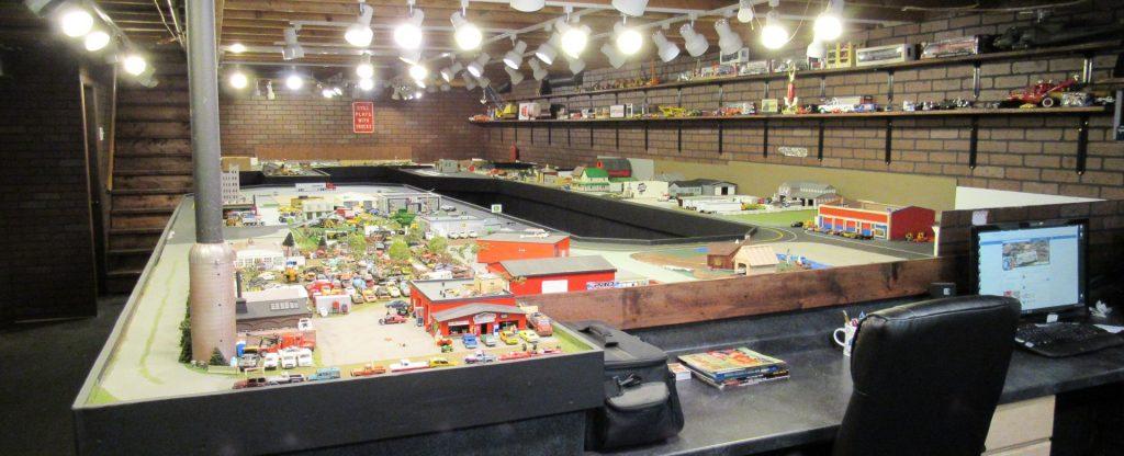 Mark Vicker - 164 scale diorama setup