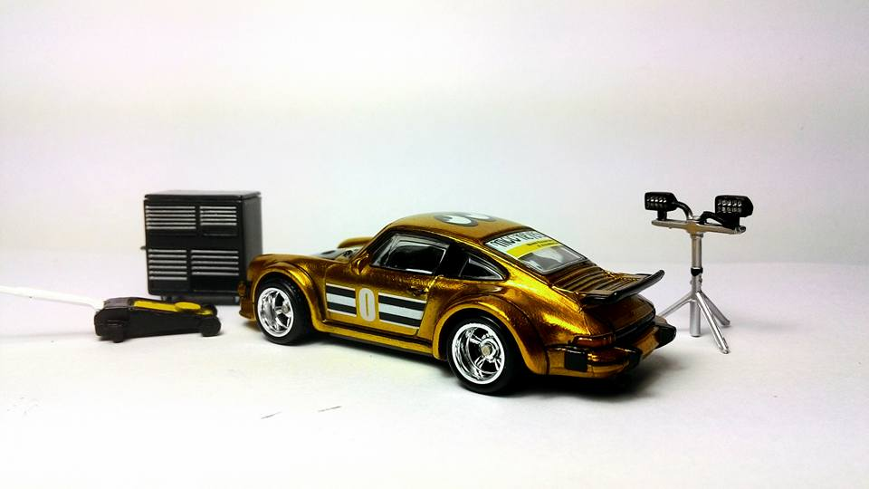 Rashdi Razaha Gold Porsche 2