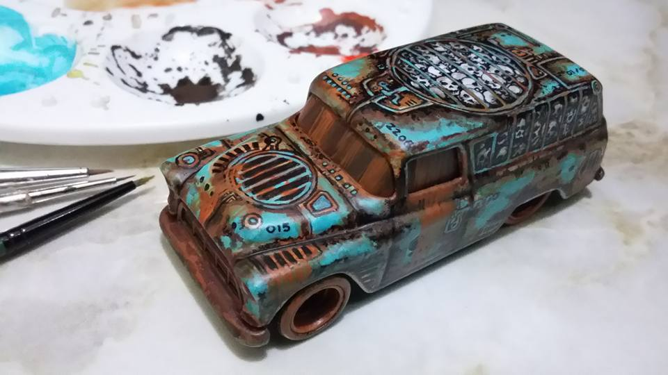 Holzmobel Fathur Handpainted custom hot wheels feature 2