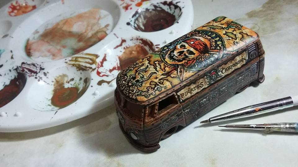Holzmobel Fathur Handpainted custom hot wheels feature