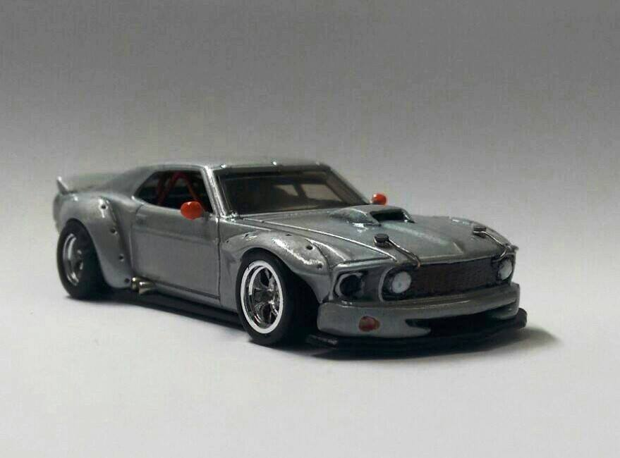 Luis Roa Araujo Mustang 2