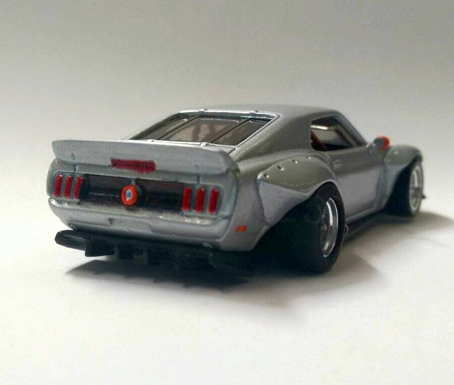 Luis Roa Araujo Mustang 3