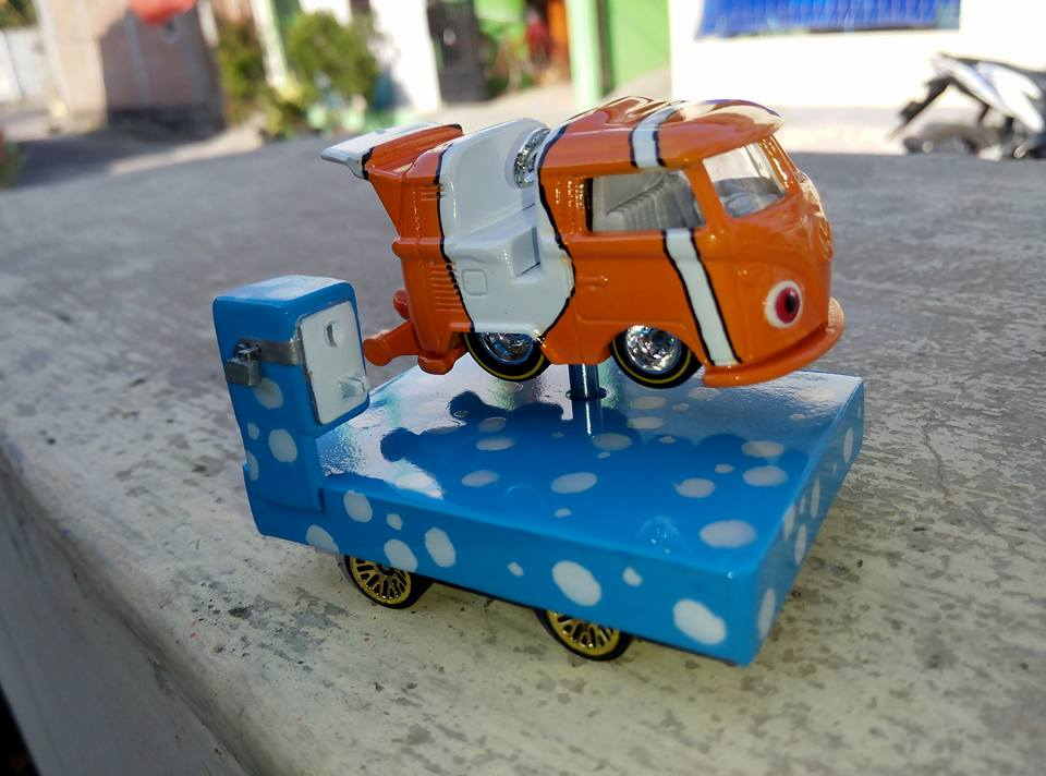 amazing Hot Wheels custom kool kombi - finding nemo ride on toy