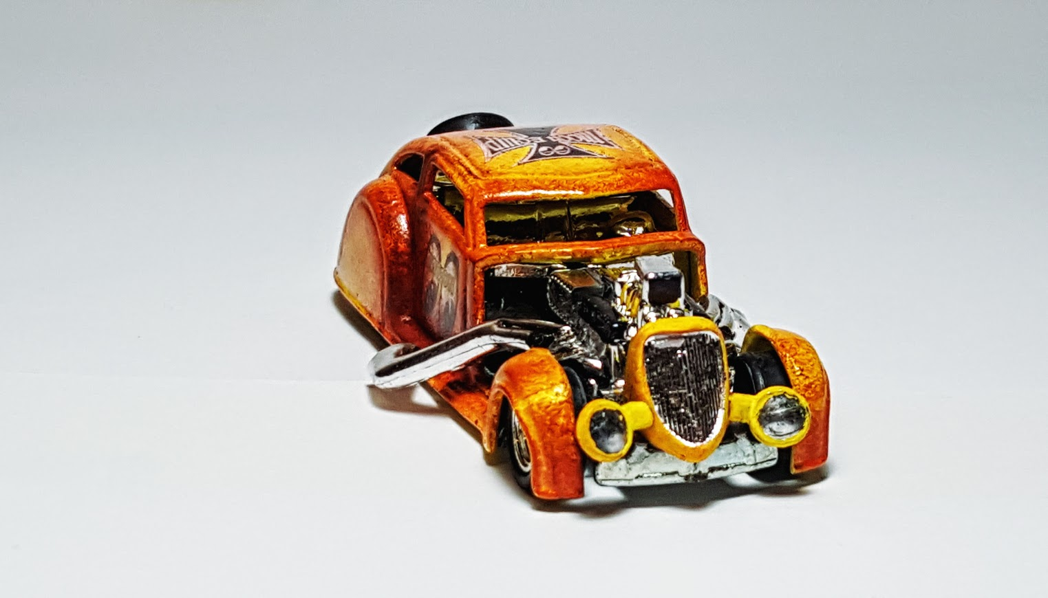 Hot Wheels Chrysler >> Come With Miss Piggy - Go With Moon - Custom Hot Wheels & Diecast Cars