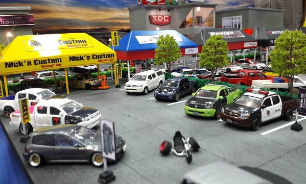 tj__garage-hellasweet-diorama-action-2