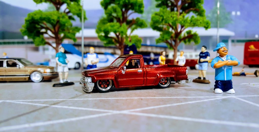 Toyota Hilux Custom Hot Wheels - The Low Lux