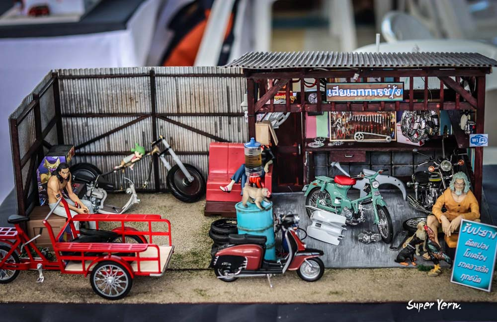 Amazing 1:24 scale diorama display at the Thai Custom Model Festival