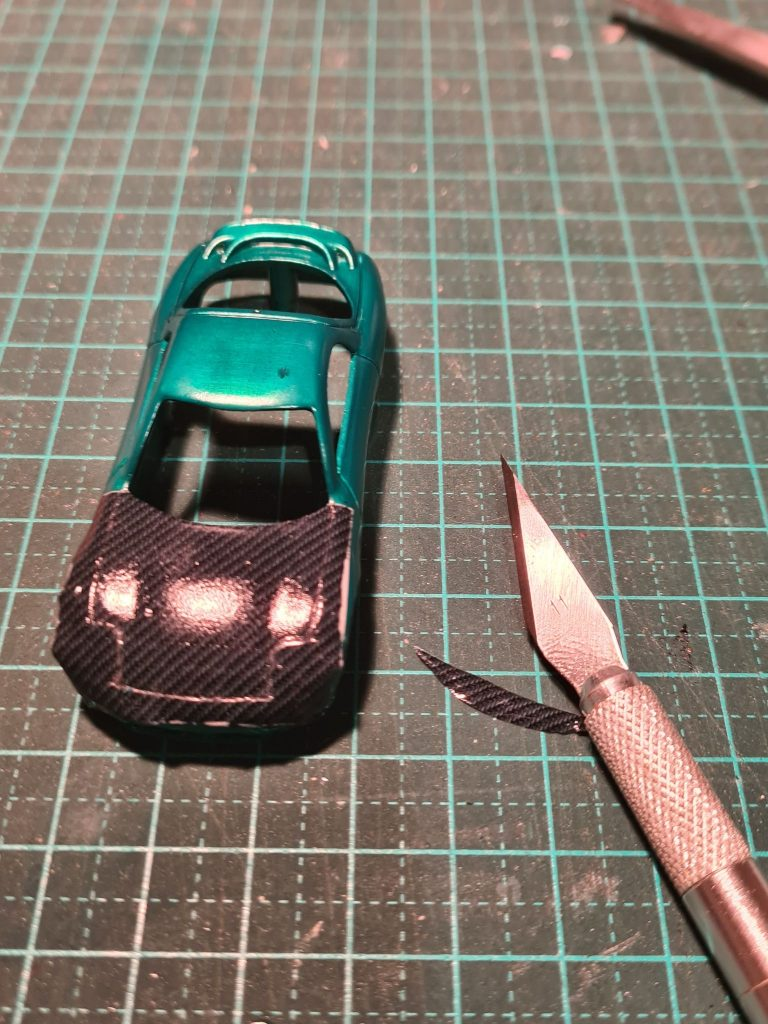 how to apply carbon fibre decals to hot wheels step 4